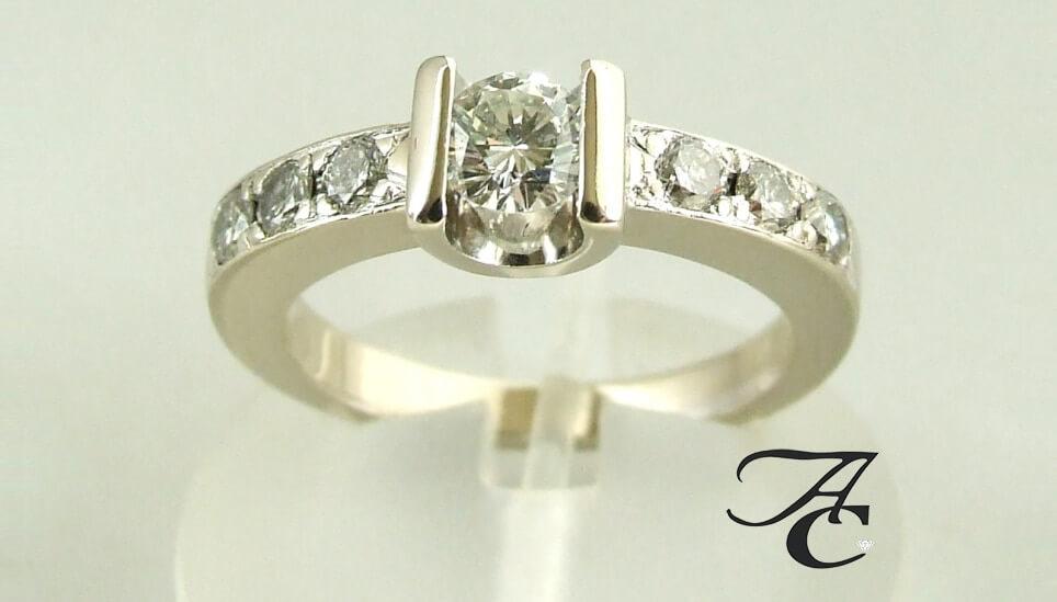 14 karaat wit gouden ring met diamanten