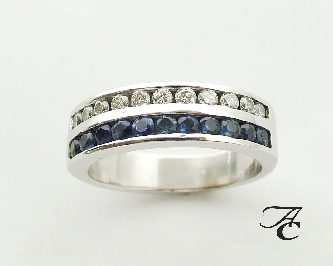 Wit gouden ring met briljanten en saffieren