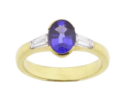 18 karaat gouden ring met tanzaniet en diamanten