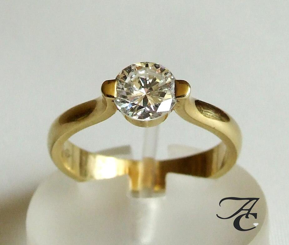 Gouden ring met solitair briljant