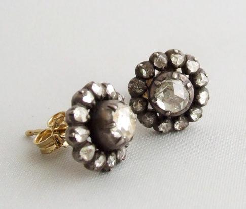 Oorbellen met roosdiamant