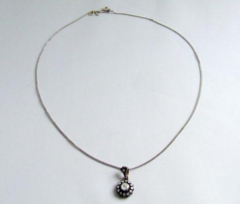 Wit gouden collier met roosdiamant