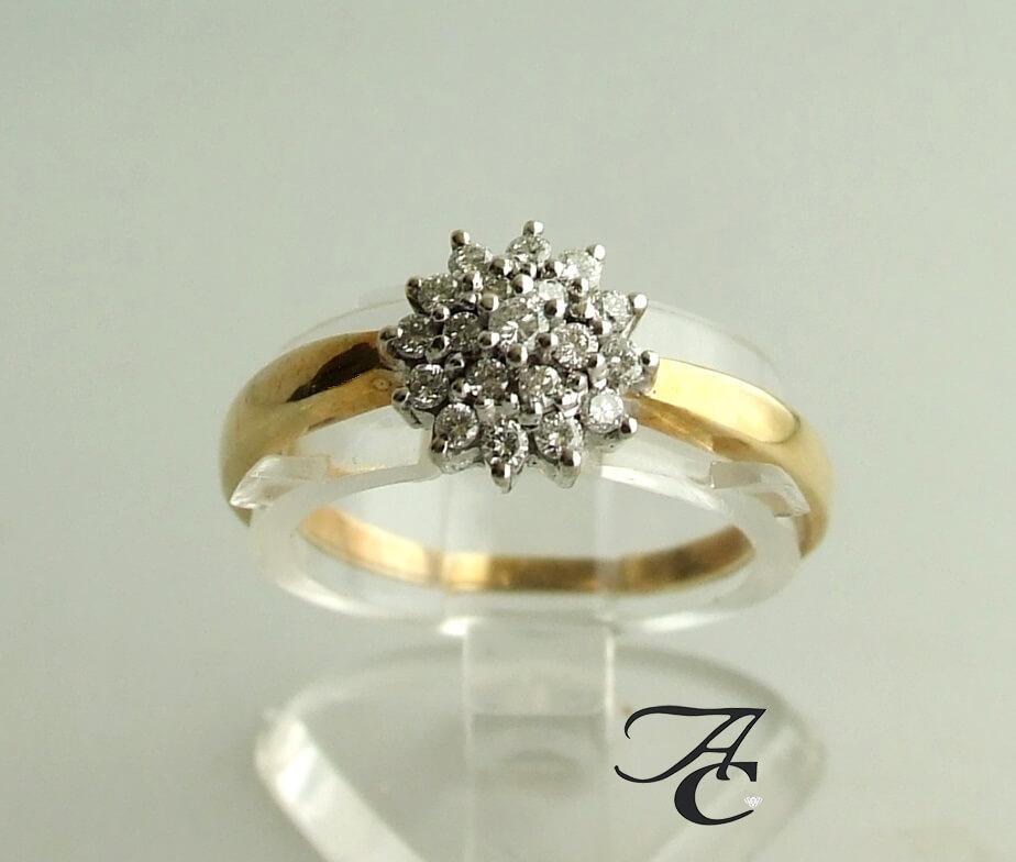 Bicolor ring met briljanten 0.20 ct.