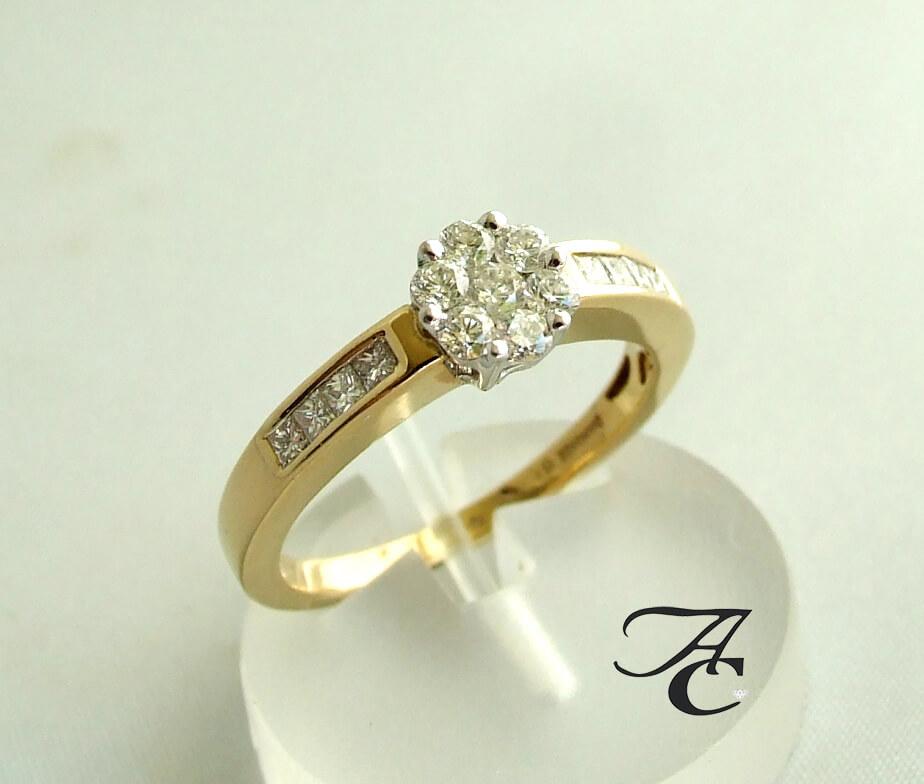 Atelier Christian geel gouden ring met briljanten