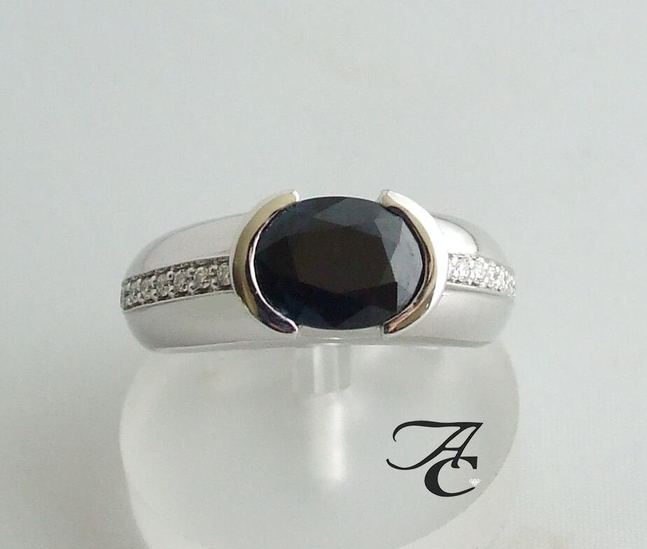 Wit gouden ring met briljanten en saffier