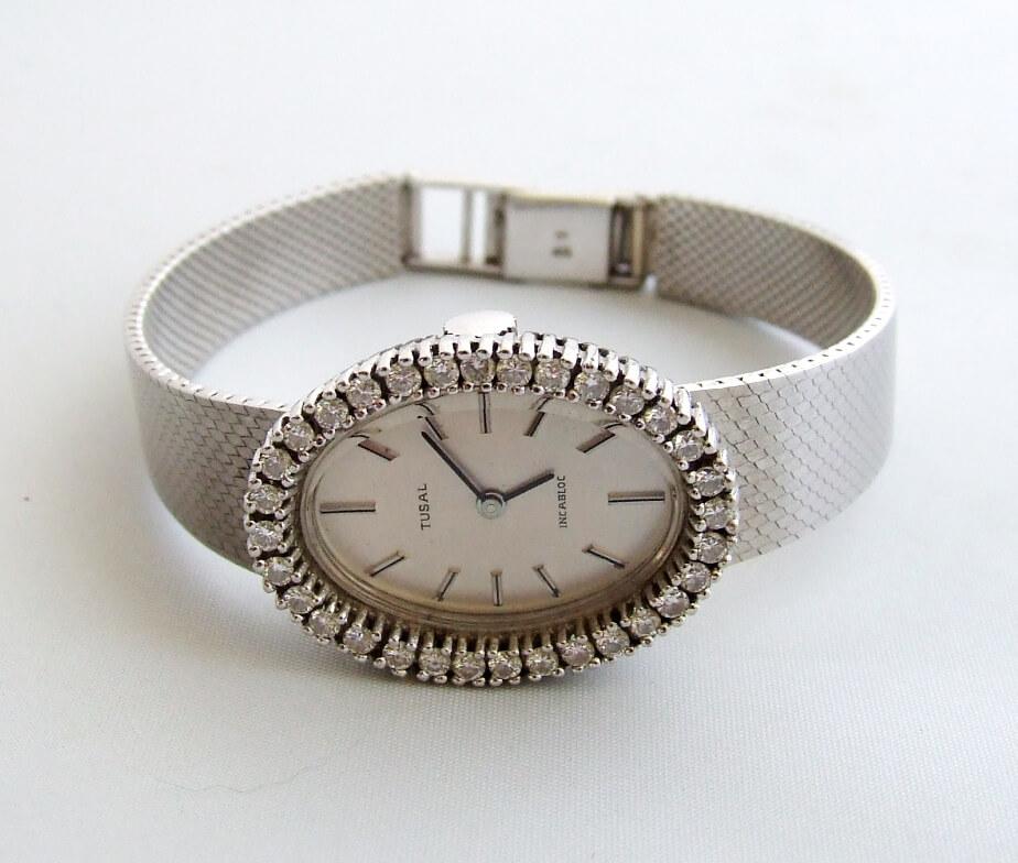 Wit gouden diamanten Tusal horloge