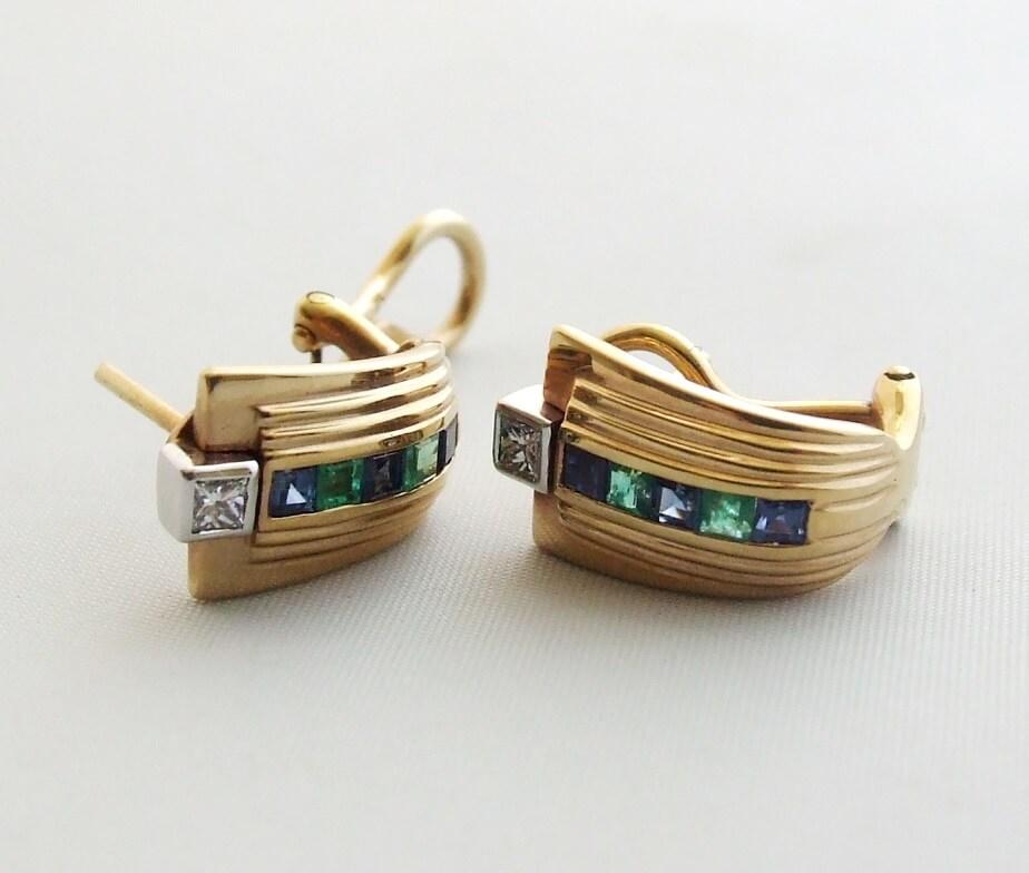 Gouden oorbellen met diamant, saffier en smaragd