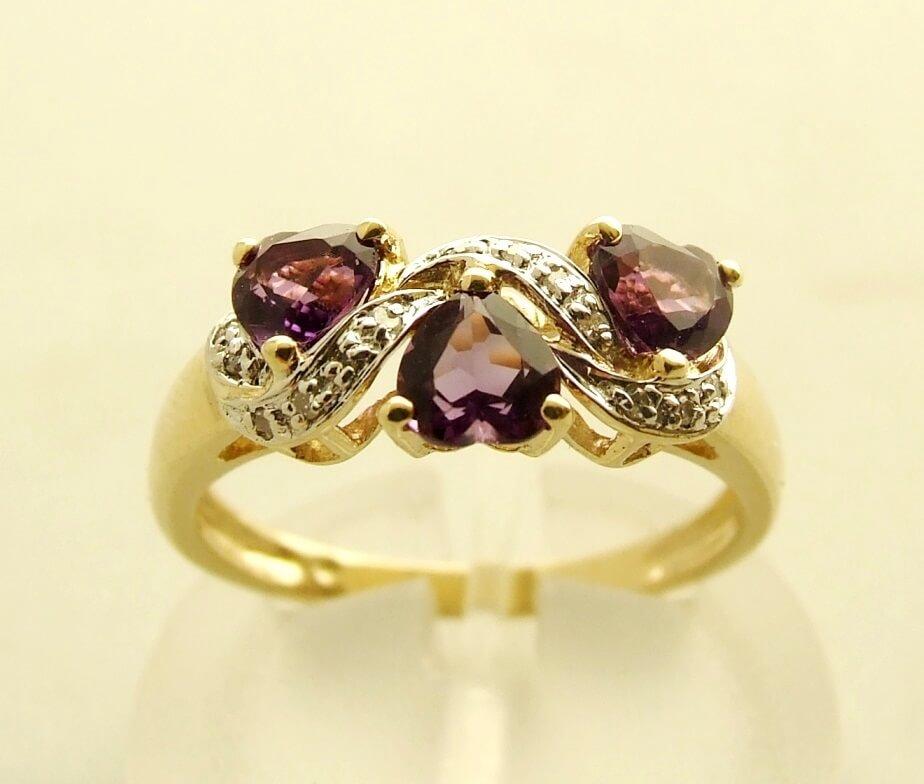Gouden ring met amethyst en diamant