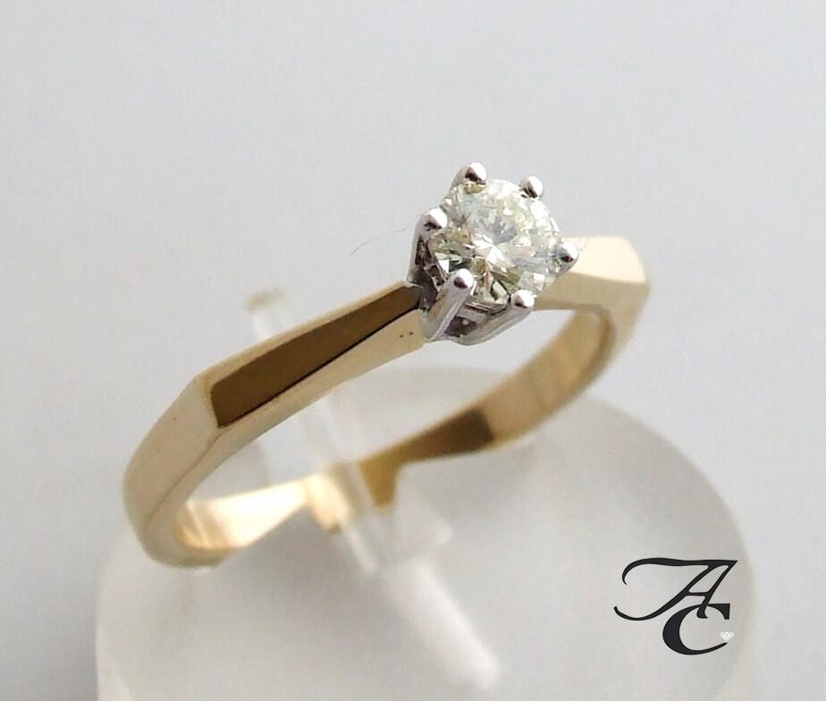 Geel gouden ring met solitair briljant