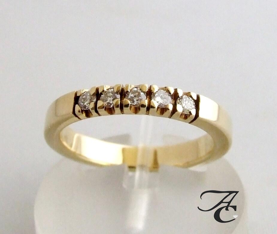 Ring met briljant geslepen diamanten