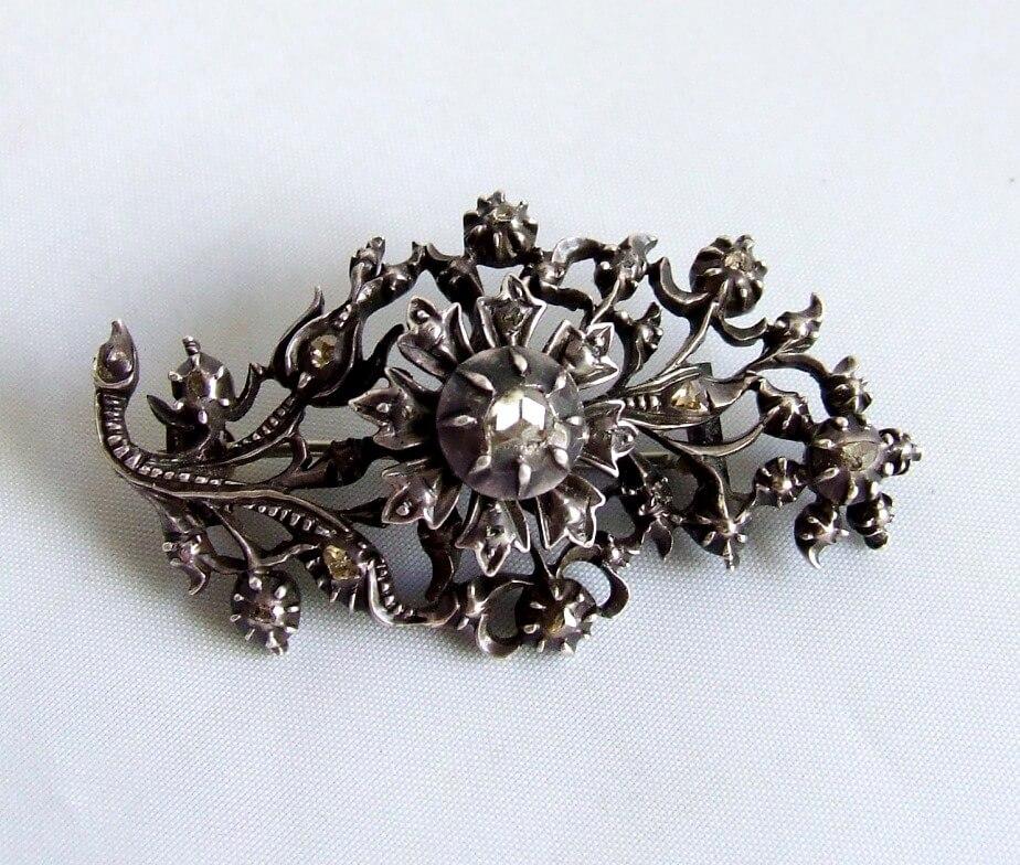 Antieke broche met roosdiamant