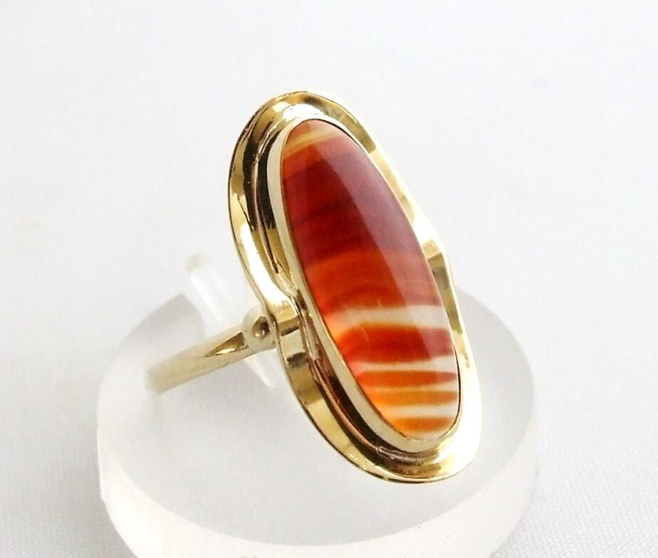 Gouden ring met agaat
