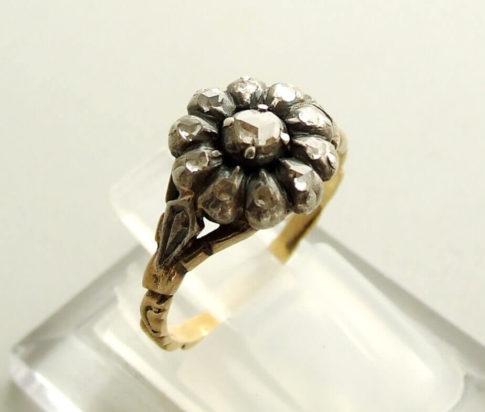 Geel gouden ring met roosdiamant