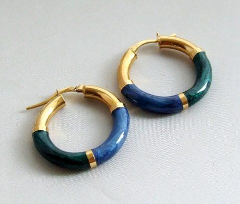 Gouden oorbellen met emaille