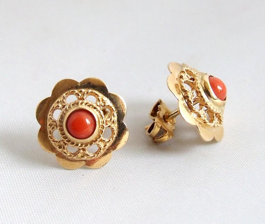 Gouden occasion oorbellen met bloedkoraal