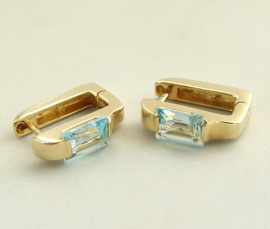 Geel gouden oorbellen met aquamarijn