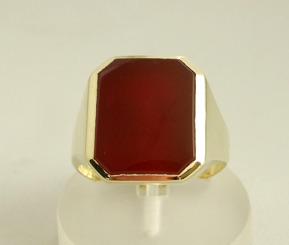 Gouden ring met carneool