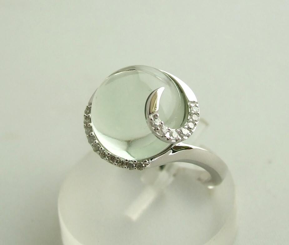 Wit gouden ring met beryl en diamant