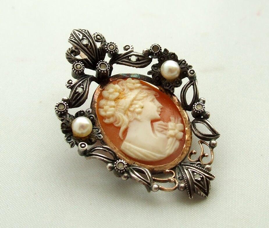 Antieke broche met roosdiamant en parel