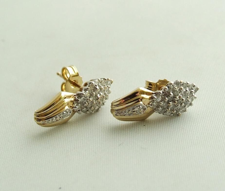 Geel gouden diamanten oorbellen