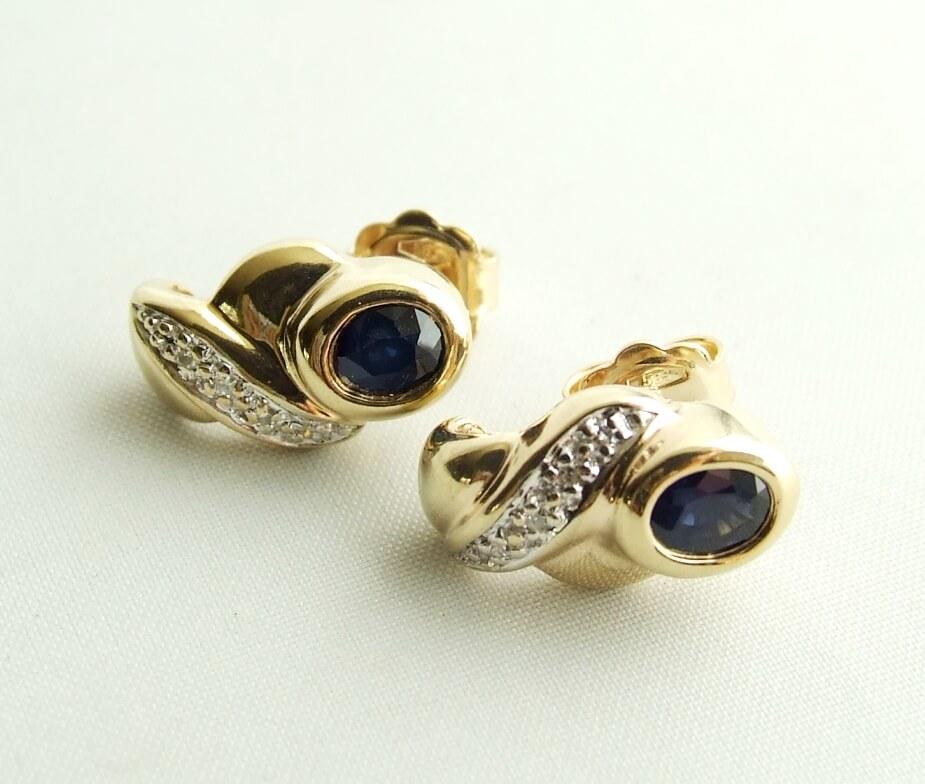 Gouden saffieren oorbellen met diamanten