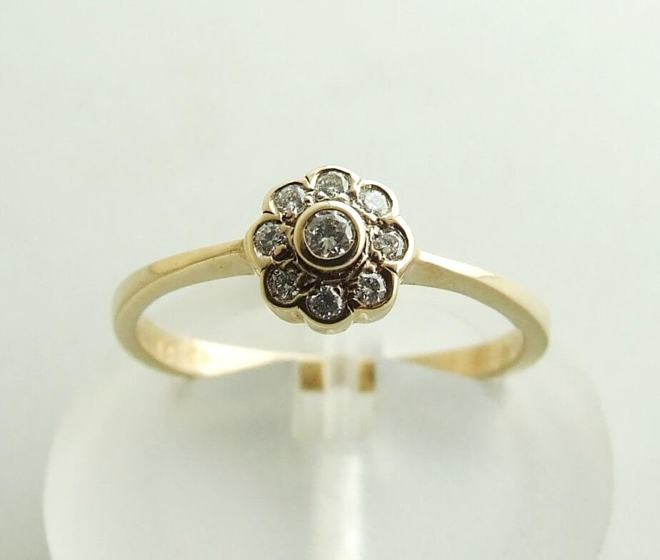 Geel gouden rozet ring met diamant