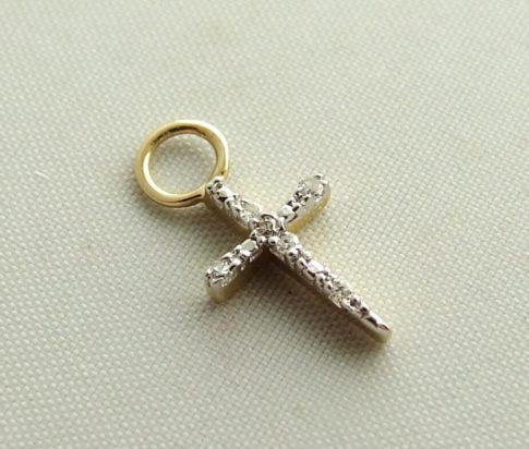 Gouden kruis met diamanten