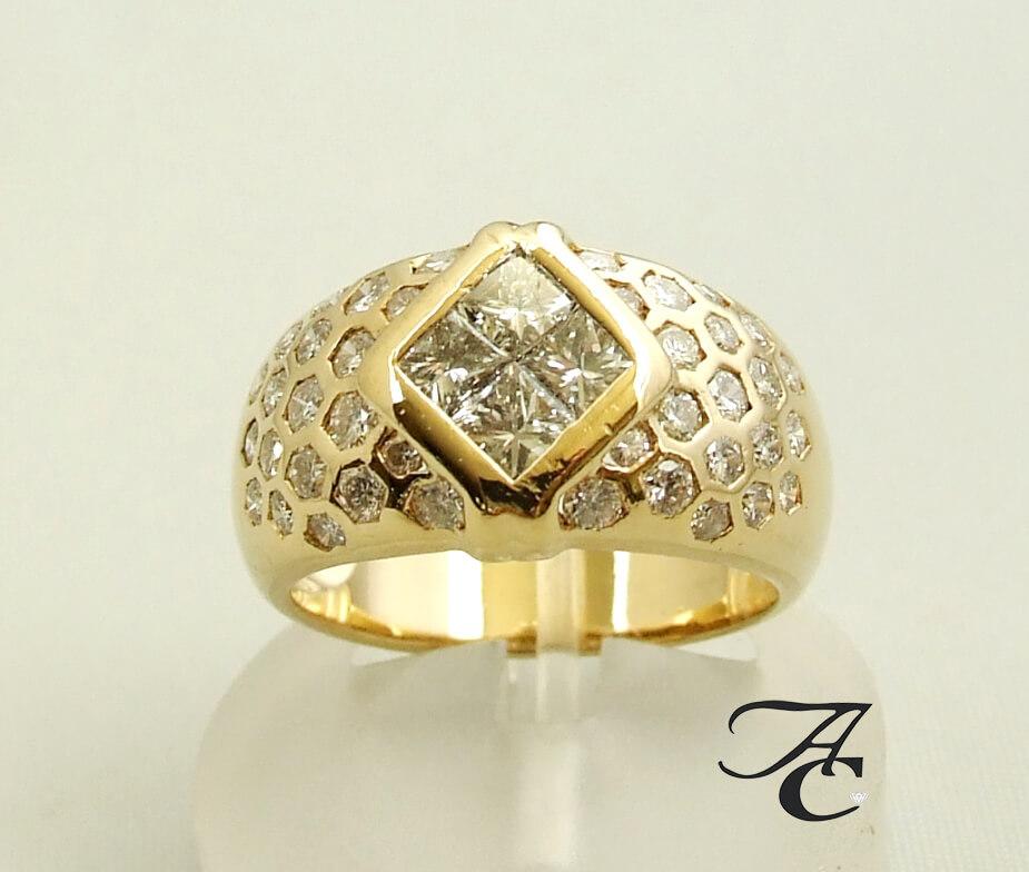 Geel gouden Atelier Christian diamanten ring