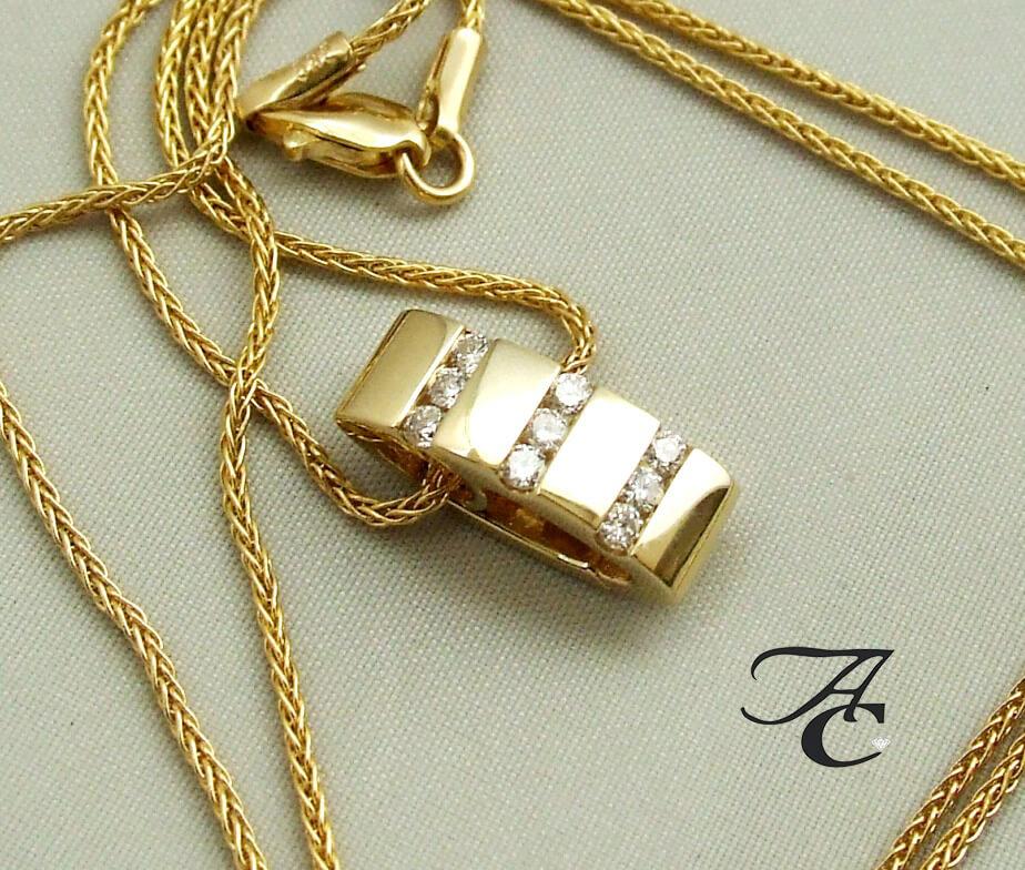 Geel gouden collier en hanger met diamanten