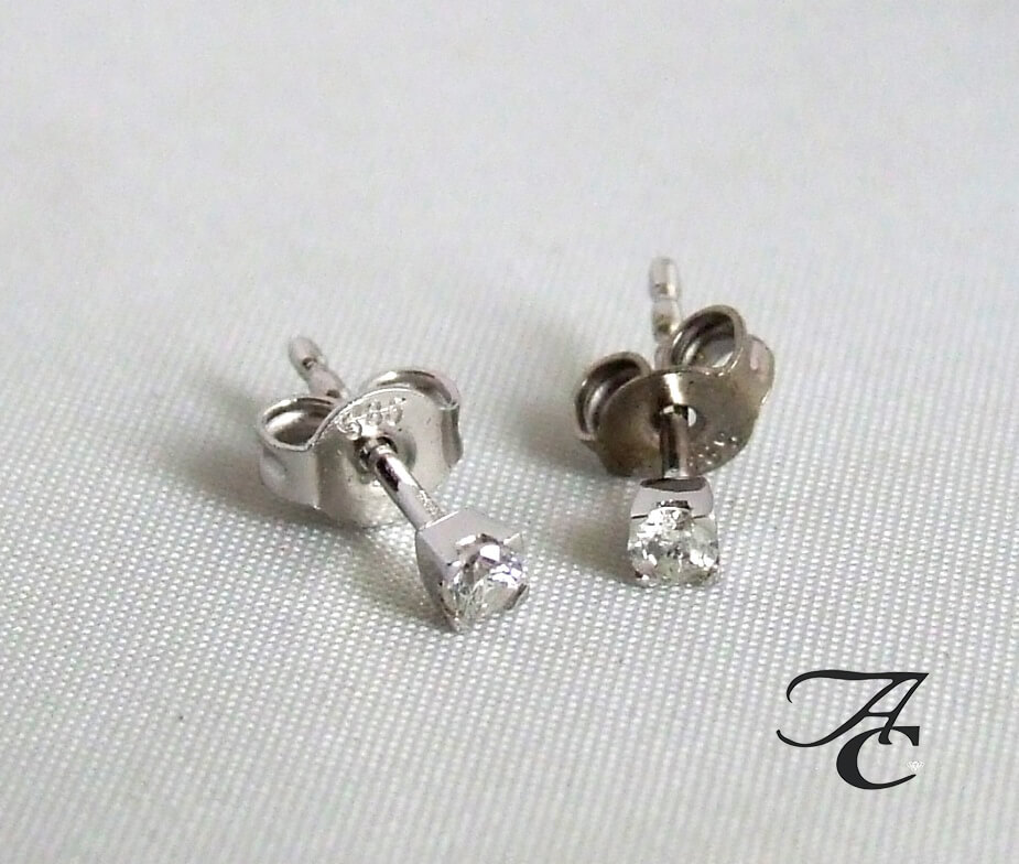 Atelier Christian wit gouden oorbellen met diamant