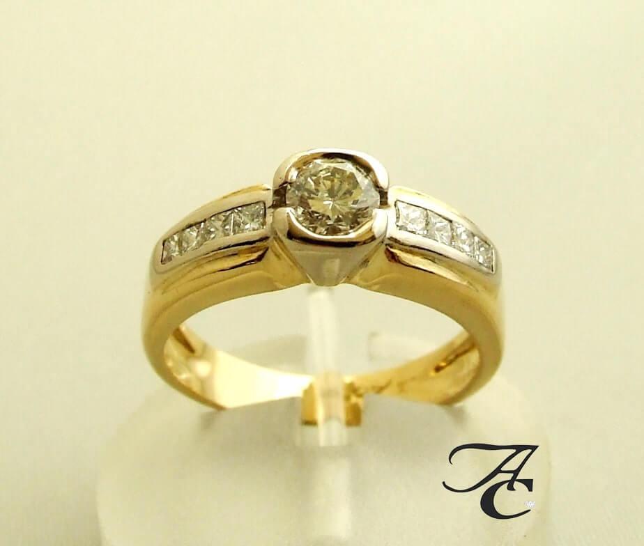 Geel gouden ring met diamanten 0.91 ct.