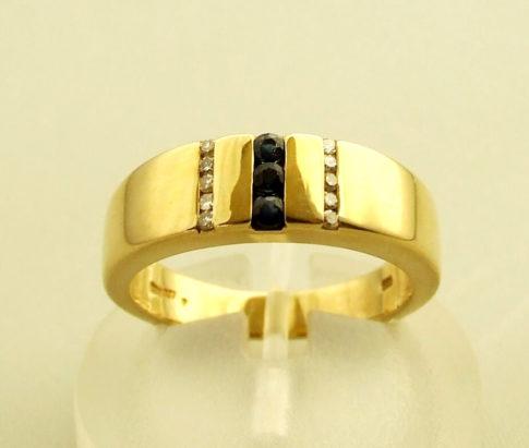 Geel gouden ring met saffier en diamanten