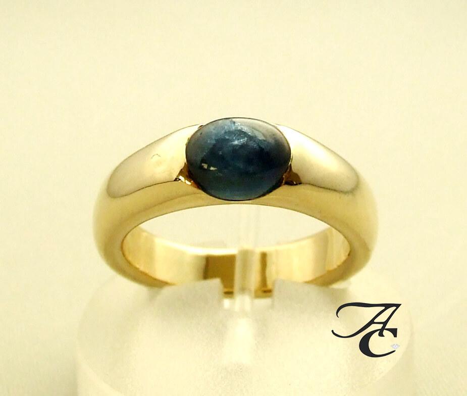 Atelier Christian gouden ring met saffier