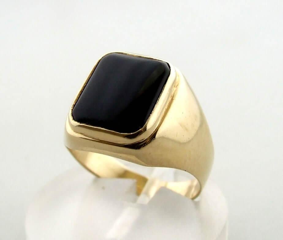 14 karaat gouden ring met onyx