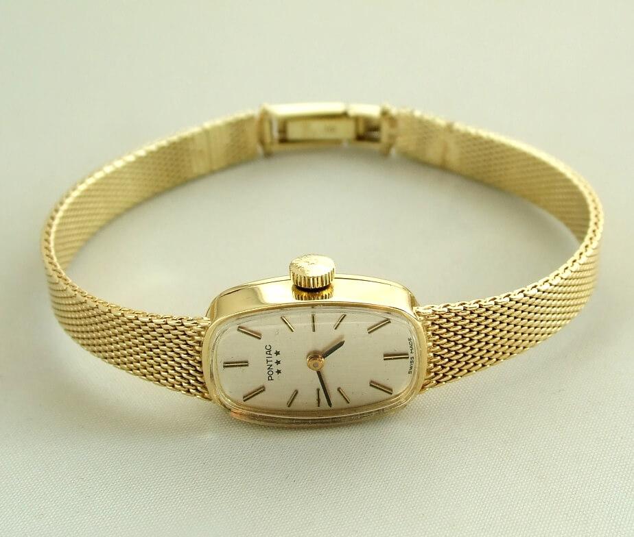 Geel gouden Pontiac horloge