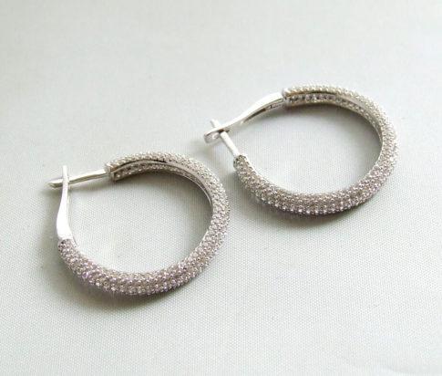 Wit gouden oorbellen met zirkonia