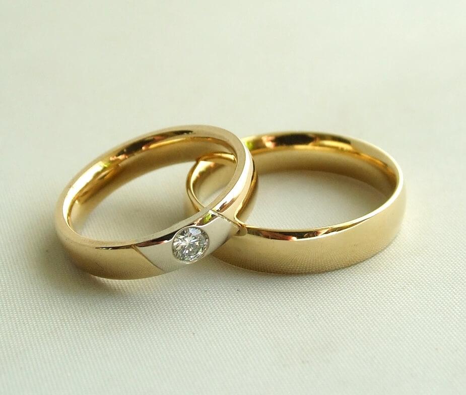 Christian gouden trouwringen met diamant