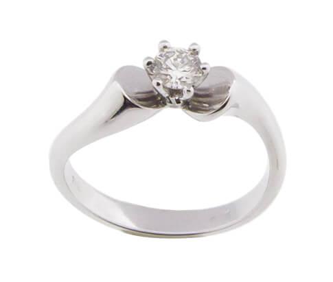 Wit gouden ring met briljant geslepen diamant