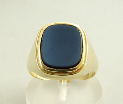 Gouden ring met lichtblauwe lagensteen