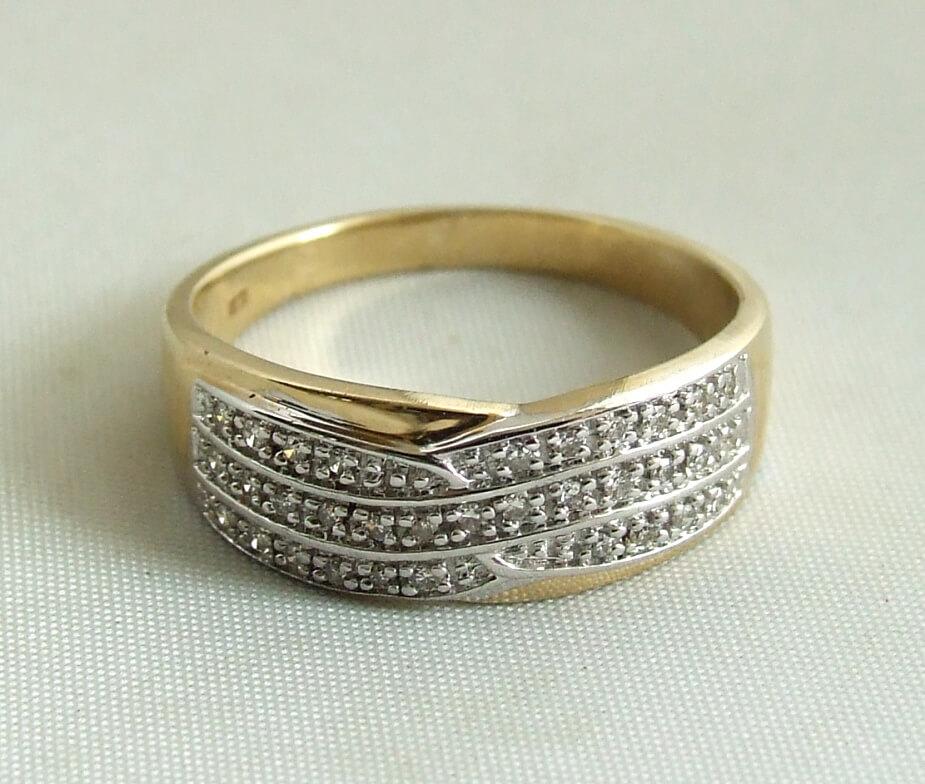 14 karaat gouden ring met diamanten