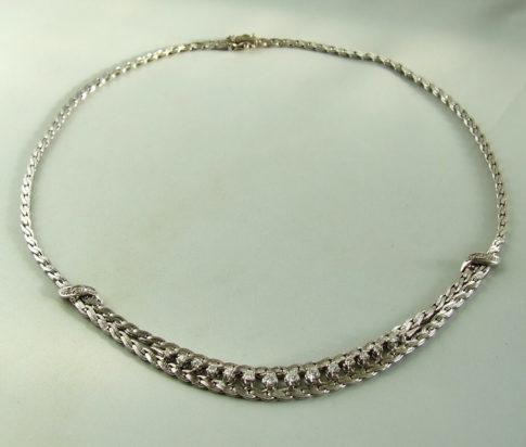 14 karaat wit gouden collier met diamanten