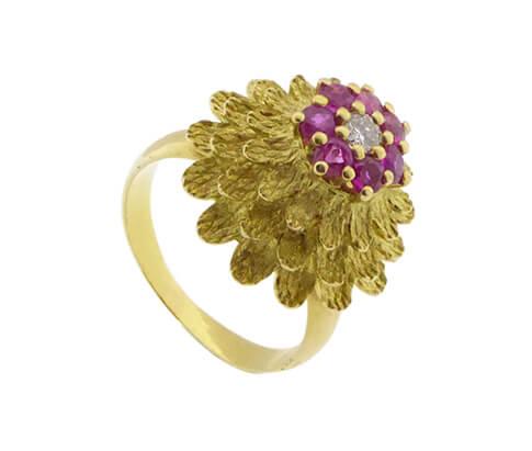 18 karaat gouden ring met robijnen en diamant