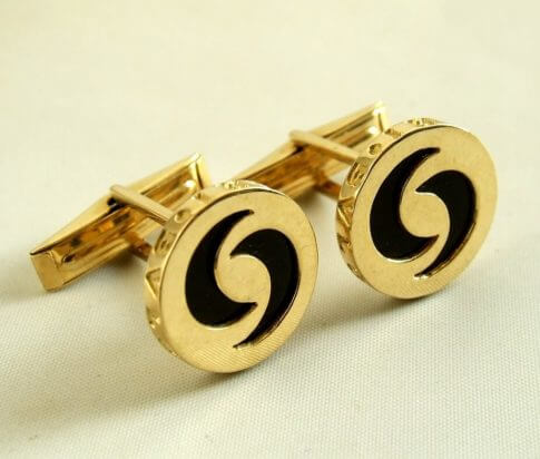 Gouden Bvlgari manchetknopen met onyx