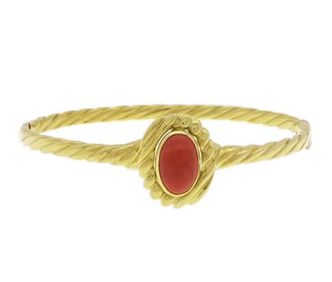 Geel gouden armband met bloedkoraal