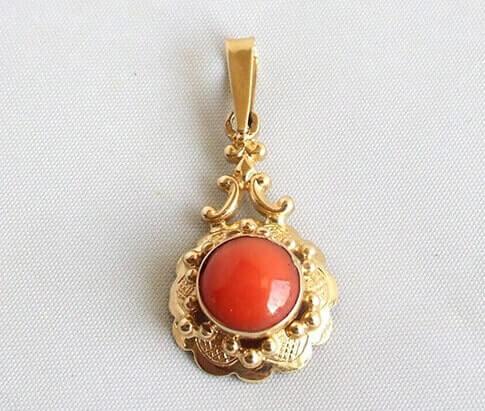 Gouden bloedkoraal hanger