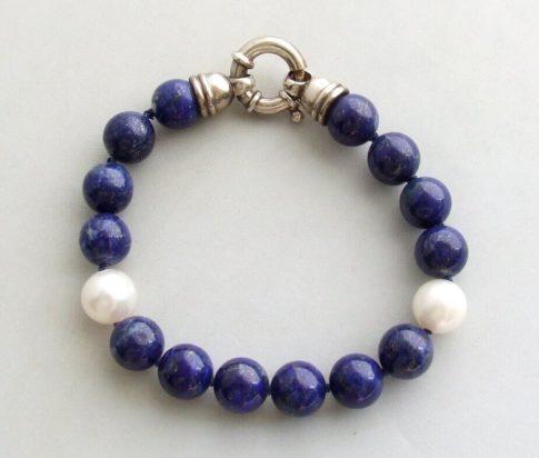 Armband met parels en lapis lazuli