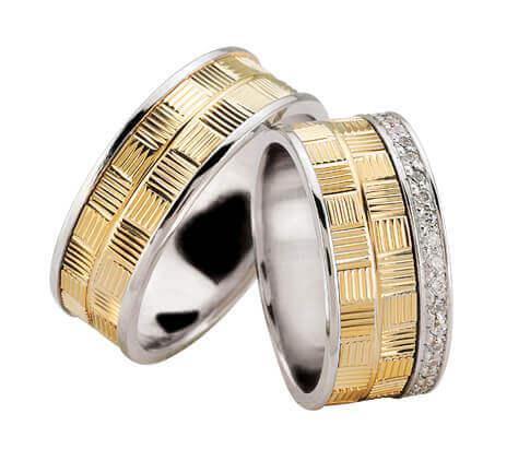 Bicolor diamanten trouwringen geribbeld