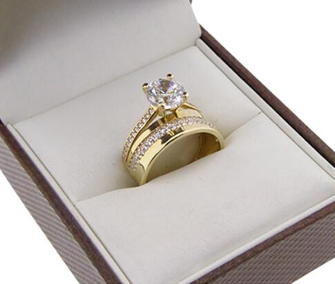 Christian 14 karaat gouden zirkonia ring