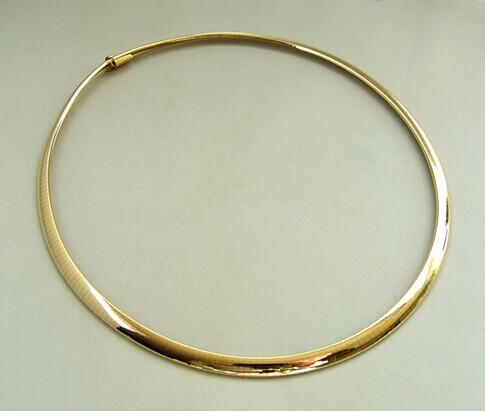 Geel gouden Omega collier