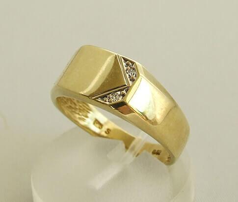 14 karaat gouden diamanten ring